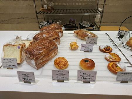 TETTI BAKERY & CAFE パン