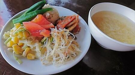 サラダバーの料理