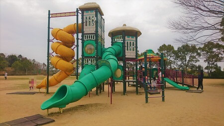 大仏山公園(多目的広場)遊具