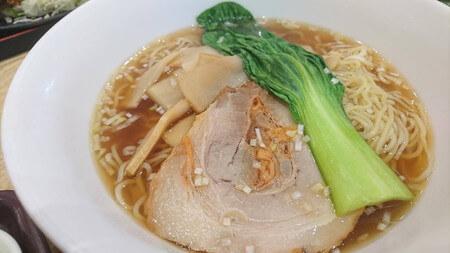 浜松SA上り 中華の鉄人 醤油湯麺