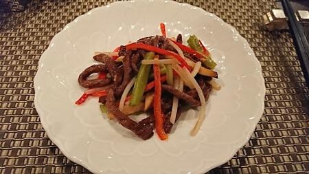 牛彩龍 彩ランチ 細切り肉と山クラゲの炒め