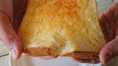銀座の食パン~香り 割ってみる