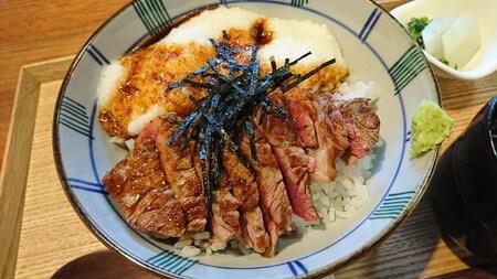 牛ステーキ おく乃 牛とろろ丼