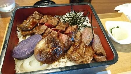牛ステーキ おく乃 和牛重