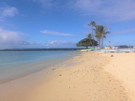 朝のデュークカハナモクビーチ