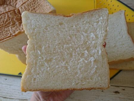 乃が美 食パンをスライスしたもの