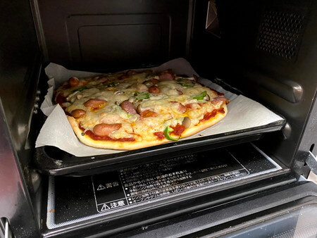 焼きあがったピザ