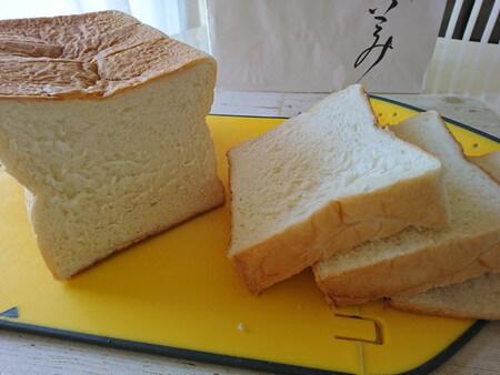 乃が美 食パンをスライス